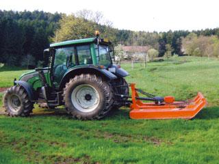 entretien des terrains avec le broyeur à chaînes